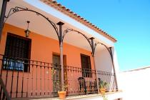 Book On line in Cordoban Tourist Accommodation. Without intermediaries and at the best price. Direct contact with the establishment.